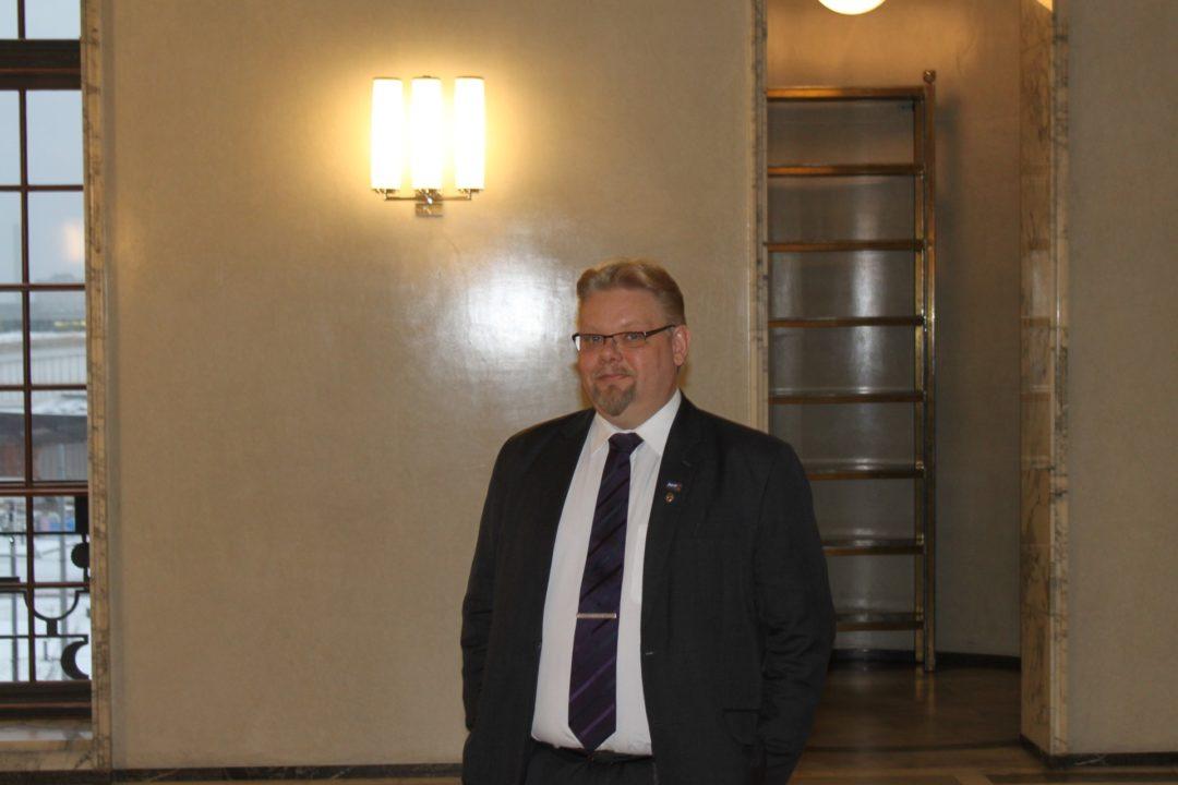 Edustaja Jari Ronkainen