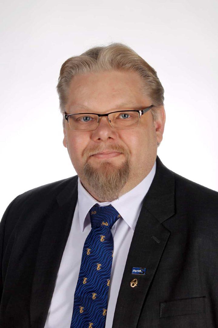 Kansanedustaja Jari Ronkainen